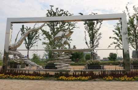 主题景观带雕塑